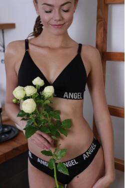 Комплект белья с высокими стрингами 301162-black